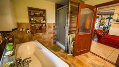 Modern, igényes tanya Békéscsaba határában eladó! - IngatlantanácsadóIngatlantanácsadó Corner Bathtub, Bathroom, Modern, Bath Room, Bathrooms, Bath, Bathing, Bathtub, Toilet