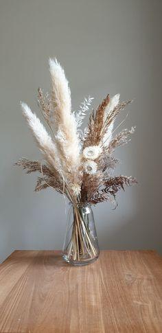 Dried flower bar, bouquets and custom design — Mimosa Flowers Grass Decor, Dried Flower Bouquet, Flower Bouquets, Dried Flower Wreaths, Flower Bar, Dried Flower Arrangements, Deco Floral, Flower Aesthetic, Decoration Design