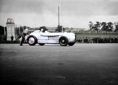 May 22, 1932: Manfred von Brauchitsch sets a world record for its class of 200 km/h at the AVUS race in a MB SSKL.