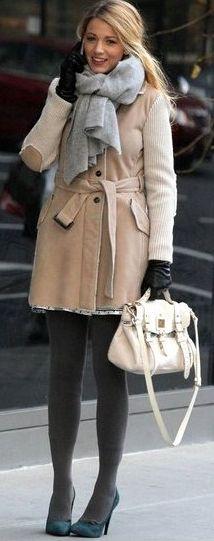 GG S5E17 (The Princess Dowry): Serena van der Woodsen in Fay coat + Mulberry