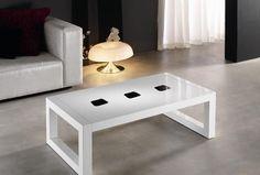 Mesa centro 110 x 60 cm. lacada y con detalles sobre tapa.