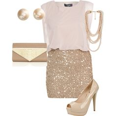 Clothes for Romantic Night - falda lentejuelas doradas y top blanco - If you are planning an unforgettable night with your lover, you can not stop reading this! Looks Chic, Looks Style, Mode Outfits, Fashion Outfits, Womens Fashion, Vegas Outfits, Skirt Outfits, Chic Outfits, Ladies Fashion