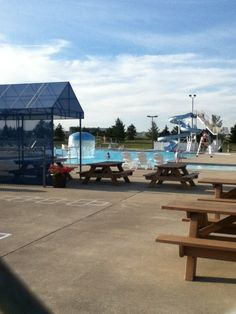Bluffton pool......*scream* I luv this place.......11 ft. And diving boards