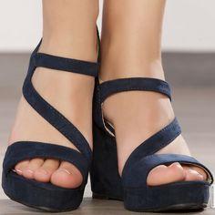 Shoes woman blue elasthomère heels 10 cm size 38, on line shop Modatoi. buy shoes on website modatoi.co.uk.