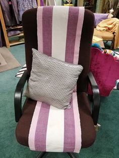 Niall's office chair Mcdonalds, Chairs, Meet, Throw Pillows, Cushions, Tire Chairs, Decorative Pillows, Chair, Side Chairs