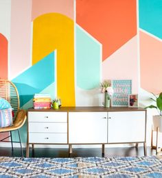 A few weeks ago my friend Amber from Dixie and Twine started painted a few walls in her house with fun patterns. I was so inspired by her walls, that I wanted to bring a little fun colorful pattern action into my home too. Because you know there isn't enough color here already! Ha! I …