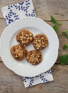 havrekjeks med banan og peanøttsmør Crunches, Cereal, Muffin, Gluten, Healthy Recipes, Healthy Food, Snacks, Cookies, Breakfast