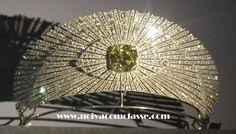 Noiva com Classe: Exposição Cartier Paris 2013-2014: Tiaras A Soleil tiara (tiara solar) da Cartier de 1907. Possui um jonquil (lindo amarelo intenso) diamante ao centro. Uma linda imitação em joia da Natureza.