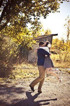 Amazing Engagement Photo Ideas! (Lots of Photos)   FreeDigitalPhotographyTutorials.com