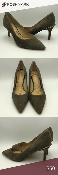 Sam Edelman Green Suede spike Pumps Beautiful pre owned suede pumps in amazing condition. Gold spike detailing at the back. One shoe has a small nick/flaw-See last pic. Green Suede, Edelman Shoes, Suede Pumps, Fashion Design, Fashion Tips, Fashion Trends, Stuart Weitzman, Kitten Heels, Shoes Heels