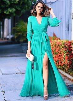 Amazing light blue long dress and nice accessories Chiffon Maxi Dress, Dress Skirt, Dress Up, Cute Dresses, Beautiful Dresses, Formal Dresses, Classy Dress, Classy Outfits, Light Blue Long Dress