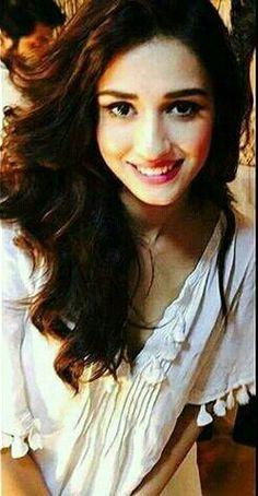Indian Bollywood, Bollywood Actress, Disha Patni, Amazing Pics, Hottest Pic, Celebs, Celebrities, Beautiful Indian Actress, Indian Beauty
