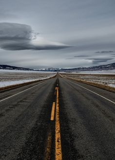 Dream Road | Road | Road Trip | Road Photo | Landscape photography | scenic | Drive | travel | wanderlust | on the road | empty road | Schomp BMW