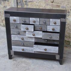 commode design tiroir de style industriel, en métal , ce meuble de rangement pour le salon. Rappelant le style loft, ce meuble de rangement design en acier est vraiment dans l esprit des lofts www.loftboutik.com