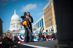"""""""We've come too far to turn back now. We've come too far to let our hearts grow faint"""". (Barack Obama) Ce la farà Obama a ottenere il nuovo mandato, o il crash finanziario e """"la recessione più grave dal dopoguerra"""" hanno fatalmente segnato la sua presidenza, accolta all'inizio con una straordinaria ondata di entusiasmo e aspettativa globale? - Obama contro Obama. Il destino di un presidente - Ebook a 1 euro nei migliori store online > > Acquista su Amazon.it http://amzn.to/Wu0zDf"""