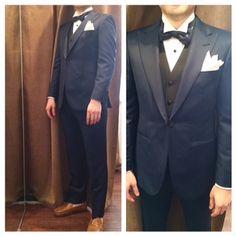 suit:ネイビー vest:ブラック bowtie:ネイビー  #新郎#カジュアルウエディング