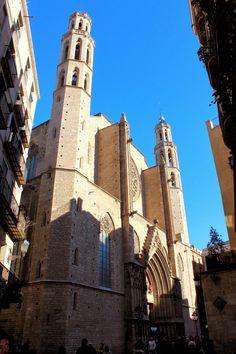 Fachada principal de Santa María del Mar, Barcelona. La Ciutat Vella - Ando y reando