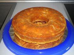 Rezept: Safran - Apfel - Kuchen mit Marzipan und Nüssen