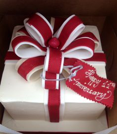 What a great gift to unwrap! All edible