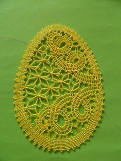 velikonoční podvinky zdarma - Hledat Googlem Bobbin Lacemaking, Types Of Lace, Bobbin Lace Patterns, Lace Heart, Lace Jewelry, Needle Lace, Lace Making, String Art, Design Crafts