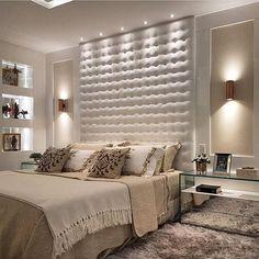Boa noite!✨Um quarto harmonioso, elegante e de muito bom gosto!! By @maxmello.arquiteto #arquiteturadeinteriores #suitemaster #arquitetura #archdecor #archdesign #archlovers #interiores #instahome #instadecor #instadesign #design #detalhes #produção #decoreseuestilo #decor #decorando #decordesign #luxury #decorlovers #decoração #homestyle #homedecor #homedesign #decorhome #home #quartodecasal #suitecasal #bedroom #chambre