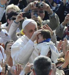 kathTube - das katholische Medienportal Portal, Wrestling, God Is Love, Pope Francis, Catholic, Psychics, Roots, Lucha Libre