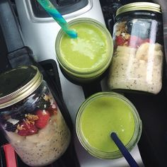 roadtrip breakfast: {cinnamon swirl overnight oats with banana, berries, flaked coconut, and spinach, coconut water, mango, pineapple green smoothies}