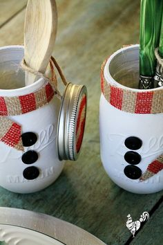 Mason jar Christmas gift ideas and painting mason jars with chalky paint
