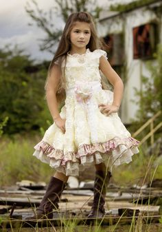 Our gorgeous vintage flower girl dress is one of our most favorite things! The bodice features luxurious vintage lace lining the neckline, and is adorned with a stunning removable pearl brooch. Vintage Flower Girls, Cute Flower Girl Dresses, Vintage Lace, Girls Dresses, Vintage Tea, Feather Dress, Beautiful Children, Stylish Children, Beautiful Babies