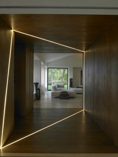 Love the use of light to change shapes