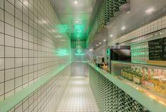 Juice bar Freshigh in Shanghai designed by dongqi Architects(栋栖建筑), 2016.