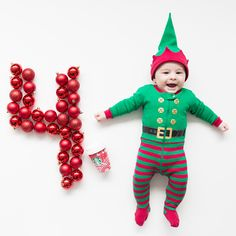 Ideas Baby Photography Christmas Photo Tips Baby Boy Pictures, Newborn Pictures, 1 Month Baby Milestones, Baby Christmas Photos, Christmas Decor, Babies First Christmas, Baby Monat Für Monat, Cadeau Baby Shower, 4 Month Old Baby