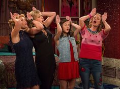 Viewership for Netflix's 'Fuller House' season 2 is tanking according to a research company