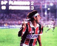 Renato Gaúcho comemora o gol de barriga - 1995
