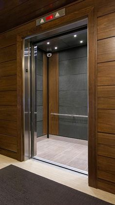 Cheap Home Decorations For Sale Product Lobby Interior, Luxury Homes Interior, Home Interior Design, Interior Decorating, Decorating Tips, Elevator Lobby Design, Casa Anime, Lift Design, Mansions Homes