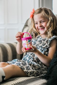 Enhance your Lalaloopsy themed birthday party with Lalaloopsy Minis Mystery Paint Cans! Used as party favors, decoration or prizes for games these mini dolls are cute and collectible. It's a mystery which character kids will find inside!