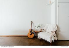 Simplistic Living Room Decor | Photography by Pritti