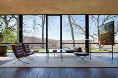 glass house philip johnson interior - Buscar con Google
