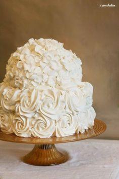 white hydrangea cake by Teacupcupcake