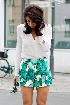 Estampa tropical / Look tropical / Tropicália / Tropicalismo / Look estampado / Roupa Tropical  /  Primavera / Moda Verão 2020/ /  Look de verão / Look para verão / Verão 2020 / Tendências para verão / Roupa para verão / Estilo De Rua / Street Fashion / Streetwear / Moda De Rua / Street Style / Moda / Outfit / Moda 2020 /  Look Of The Day / Outfit Of The Day / Fashion Blog / Moda Feminina / Look do dia / Outfit Ideas / Tendências 2020 / Trends 2020 /