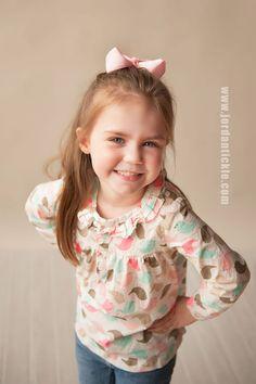 Easter Mini Photo Session. Spring portraits. Beautiful children pose. Blanket fade technique. Tickle Photography. www.jordantickle.com