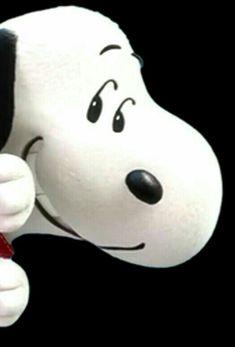 Snoopy peeking around a corner. – Snoopy peeking around a corner. Charlie Brown Y Snoopy, Snoopy Love, Snoopy And Woodstock, Peanuts Cartoon, Peanuts Snoopy, Snoopy Cartoon, Dog Quotes Love, Funny Quotes, Snoopy Pictures