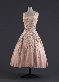 Evening dress, Christian Dior, 1955 @Musée Galliera de la Mode de la Ville de Paris Dior