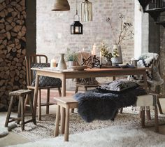 Contemporary Christmas! Add furs and cushions to create warmth at the dining table! #FlavoursofXmas Bramley: http://www.dfs.co.uk/bramley/brmlvebmy#XglHyqJu1FbzUKqi.97