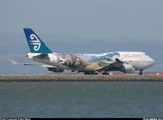 Boeing 747-4F6 aircraft picture