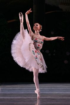 LE REVEIL DE FLORE/Yekaterina Osmolkina
