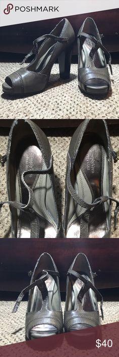 Simply Vera T-Strap Pumps Simply Vera T-Strap Pumps.. Still in good condition Simply Vera Vera Wang Shoes Heels