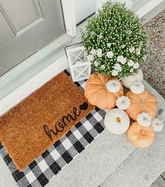 cohesive home decor Fall Home Decor, Autumn Home, Fall Door Decorations For Home, Outdoor Fall Decorations, Fall Apartment Decor, Fall Entryway Decor, Country Fall Decor, Entryway Stairs, Holiday Decorations
