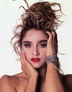 1980s, heavily lined eyes, in every color 1980s Madonna, Madonna Rare, Lady Madonna, Mtv, Madonna Images, Madonna Pictures, Divas Pop, Madonna Costume, 80s Trends