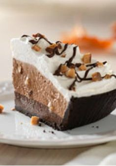 Fudge-Bottom Candy Crunch Pie — This gorgeous no-bake Fudge-Bottom Candy Crunch Pie requires only 20 minutes of prep and an hour in the fridge. No need to wait for a special occasion! Enter the Share it. Pin it. Win it. Sweepstakes! Pin your favorite holiday recipe or pin your own for a chance to win a tablet! Visit www.kraftrecipes.com/shareit for complete details. #PintoWinSweepstakes